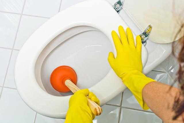 トイレの詰まりは放置すれば直るって本当? まとめ